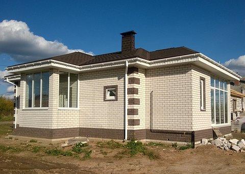 Wadliwe wybudowanie budynku, budowli, lokalu czy domu