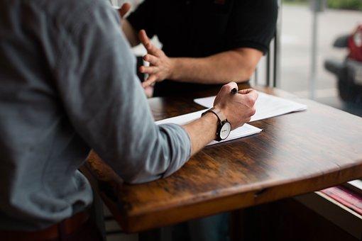Pozew lub umowa o przeniesienie czy wykup własności działki, nieruchomości, budynku wzniesionego na powierzchni lub pod powierzchnią gruntu