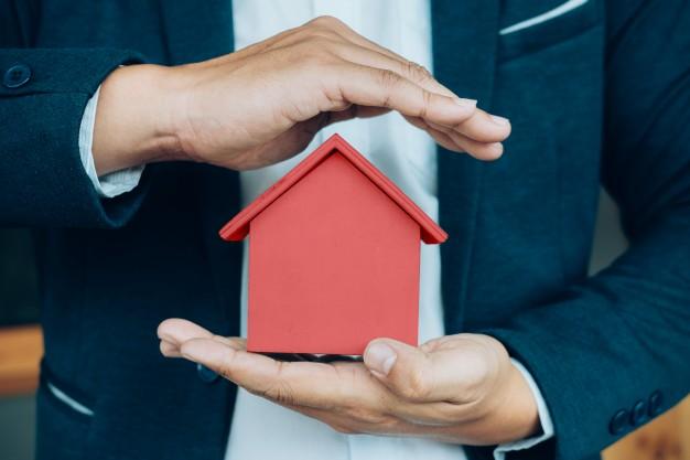 Podział nieruchomości, gruntu czy ziemi, a hipoteka łączna z kredytu