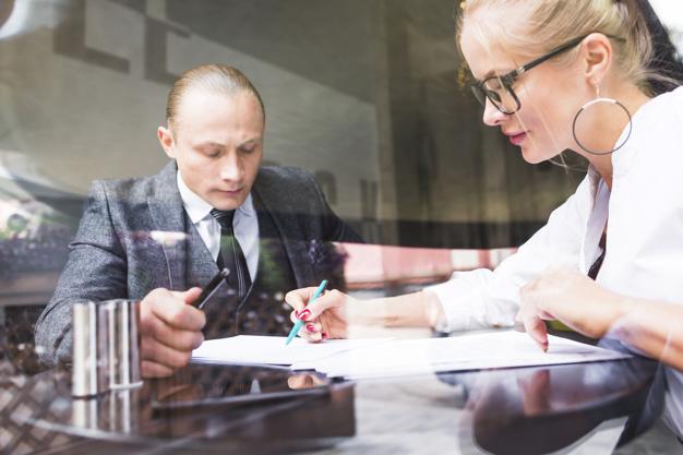 Odstąpienie, rozwiązanie w każdej od umowy o roboty czy prace budowlane w zamian za zapłatę wynagrodzenia